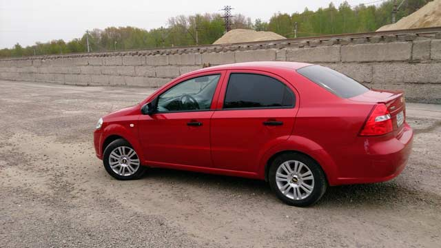 Rent a Car Moldova, Chisinau - Chevrolet Aveo Red2