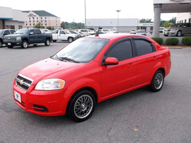 Rent a Car Moldova, Chisinau - Chevrolet Aveo Red1