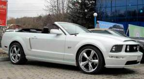 Rent Cabrio Car Chisinau - Ford Mustang White
