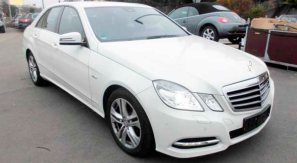 rent a car for wedding chisinau/Moldova - MERS E CLASS white
