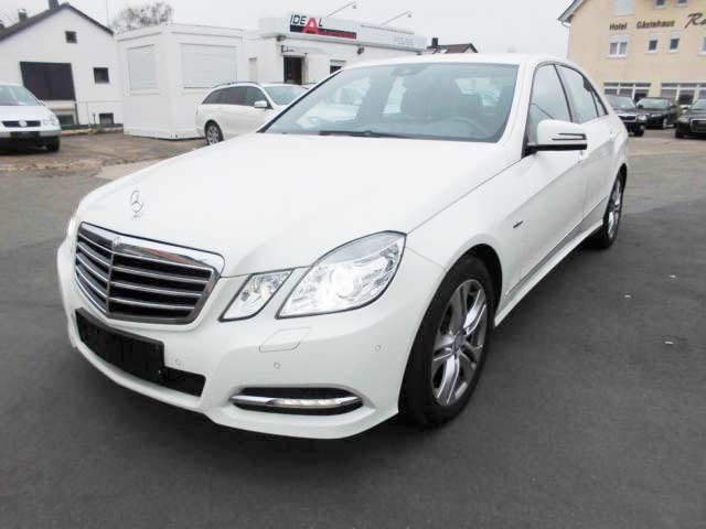 rent a car for wedding chisinau - MERS E CLASS white -3