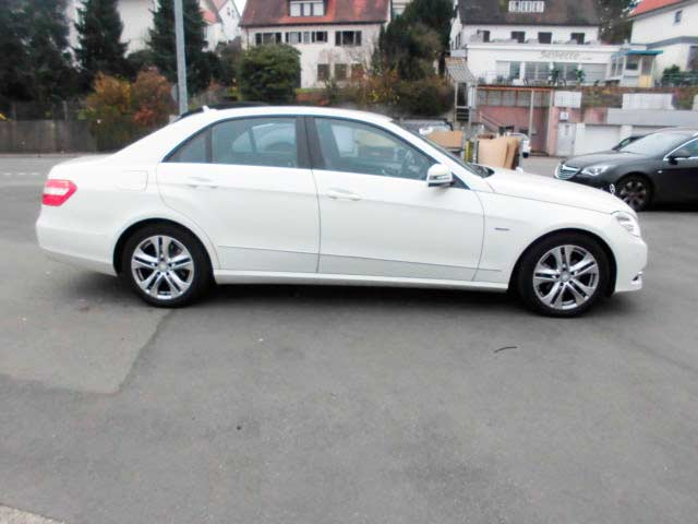 rent a car for wedding chisinau - MERS E CLASS white -7