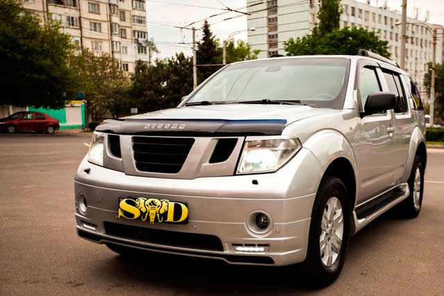 Car for Rent Chisinau, Moldova - Nissan Pathfinder 4x41